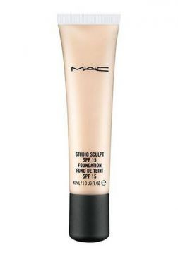 Base Studio Sculpt Spf 15 Foundation - M·a·c