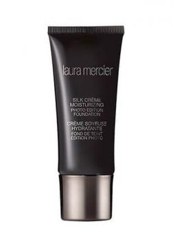 Base Silk Crème Oil Free Photo Edition Foundation - Laura Me
